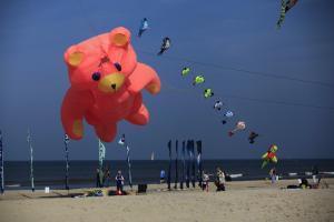 Wind Festival 021 1 300x200 Windfestival 2016: bunter Tanz am Himmel von Texel